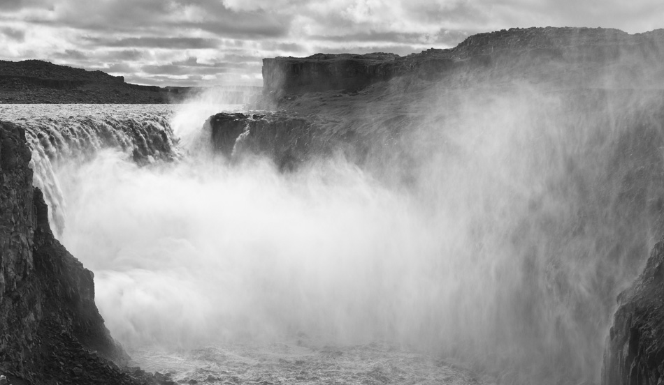 Iñaki Relanzon - Gulfoss Waterfall